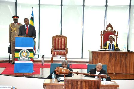 "Continent must ""wake up from its slumber"", Summit Chair asserts"